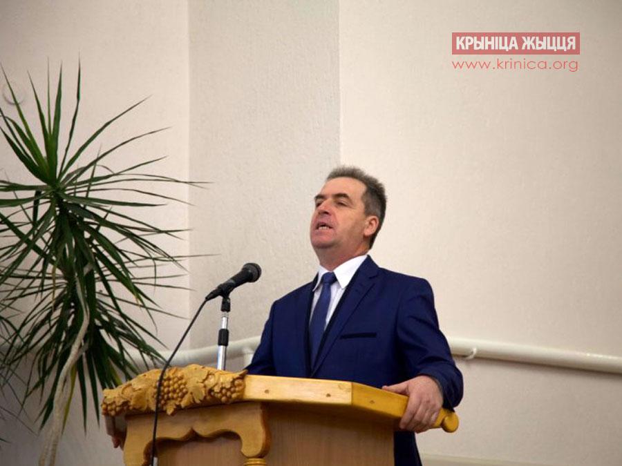 Пресвитер церкви ЕХБ в д.Рубель Анатолий Филанович